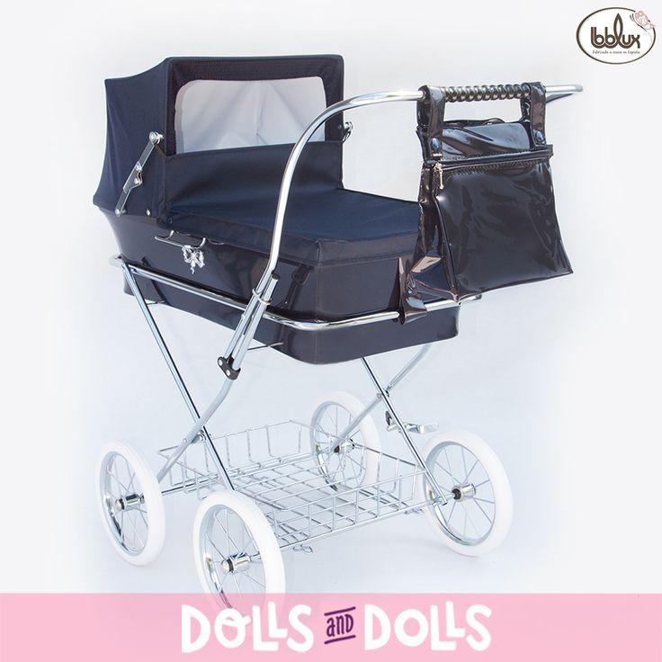 Los cochecitos Donosti de #Bebelux son un regalo maravilloso para las niñas, con ellos pasarán tardes inolvidables de diversion. Tienen una altura de 78 centímetros y gracias a la suspensión del cochecito se puede acunar al muñeco tanto parado como en movimiento. En #DollsAndDolls los puedes encontrar en varios colores. ¡Aprovecha el buen tiempo y regala un cochecito de Bebelux! #Dolls #DollsMadeInSpain #HandMade #DollsPram #DollsPushchair #Bonecas #Poupées #Bambole #EnvíoGratis