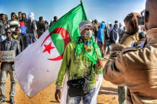 Peu médiatisée, la mobilisation citoyenne se poursuit en Algérie contre l'exploitation des gaz de schiste. Entre arrestation de caricaturiste engagé et convocation policière d'opposants à la fracturation hydraulique, les autorités tentent de freiner le...