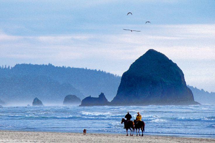 Best Hiking Trails Near Cannon Beach Oregon