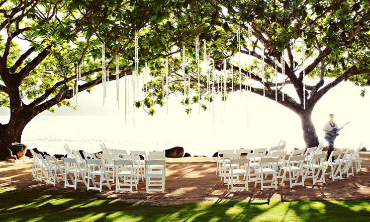 Learn why we're loving the wedding packages from St Regis Princeville Resort, Hawaii