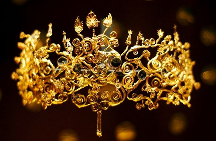 diadem from 4th century BC discovered in one of the Macedonian royal tombs in Vergina Greece, owned by one of the wives of Philip of Macedonia