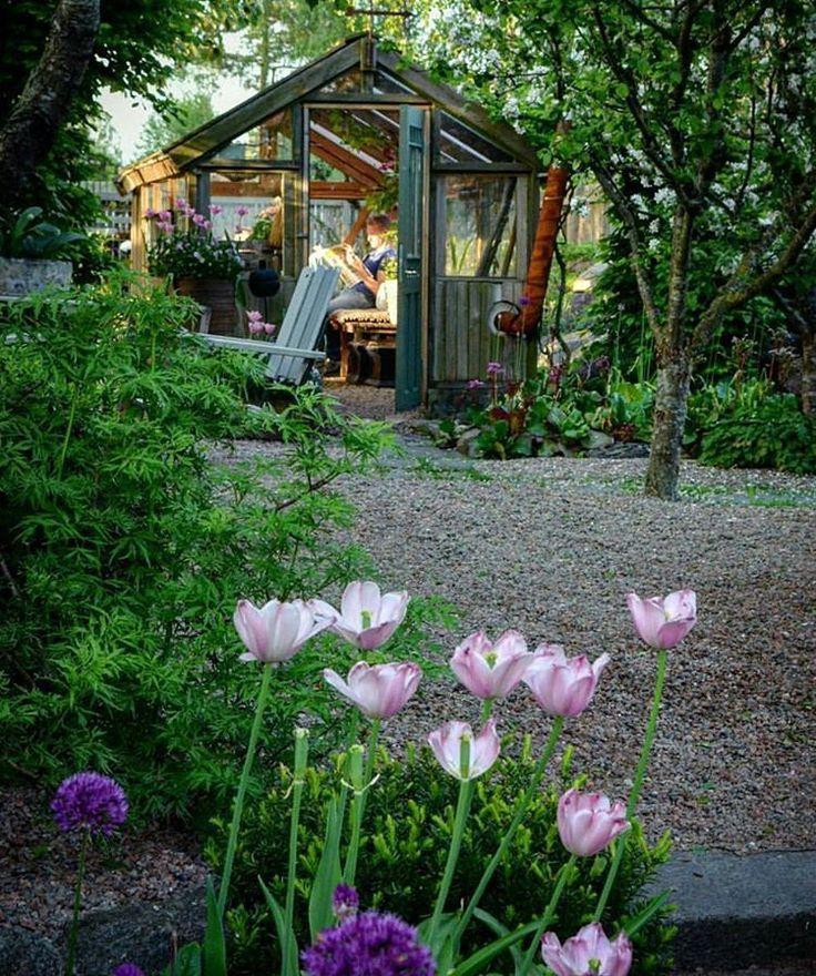 """660 Likes, 3 Comments - Trip2garden (@trip2garden) on Instagram: """"🍀TRÄDGÅRDSDESIGN PÅ STÅENDE FOT 🍀 Är du i start tagen att anlägga en egen trädgård & vill ha tips &…"""""""