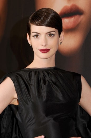 Anne Hathaway - short hair