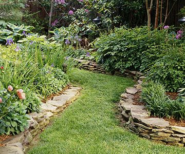 back yard inspiration: Gardens Ideas, Gardens Stones, Stacking Stones, Landscape Design, Stones Wall, Side Yard, Flowers Beds, Stones Border, Gardens Border