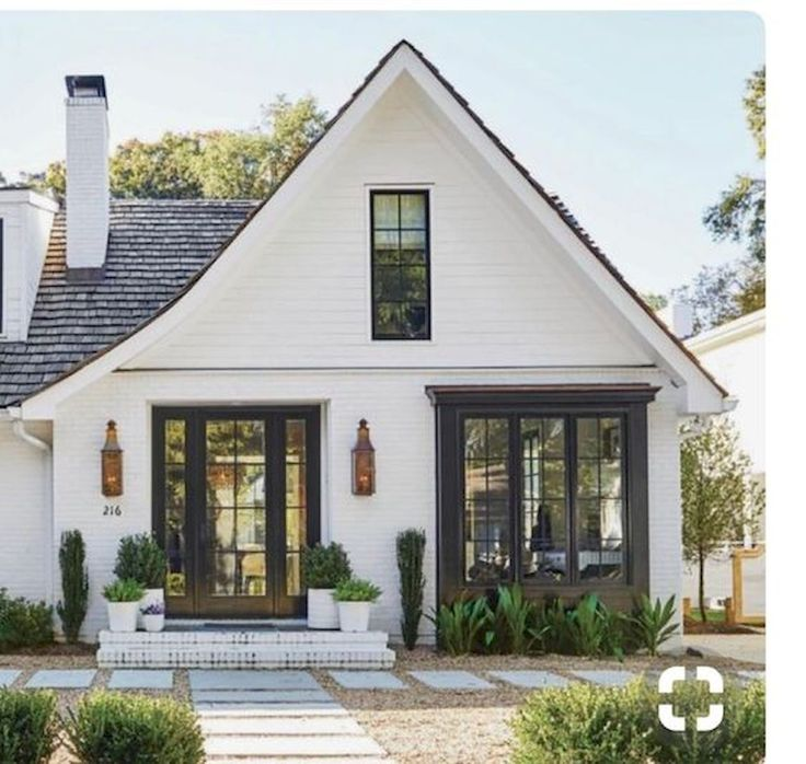 33 Beautiful Modern Farmhouse Exterior Design Ideas