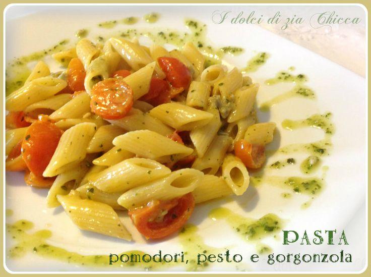 Pasta con pomodori, pesto e gorgonzola è una ricetta veloce ma davvero gustosa.Semplice nella preparazione e piacerà ad amici e bambini.