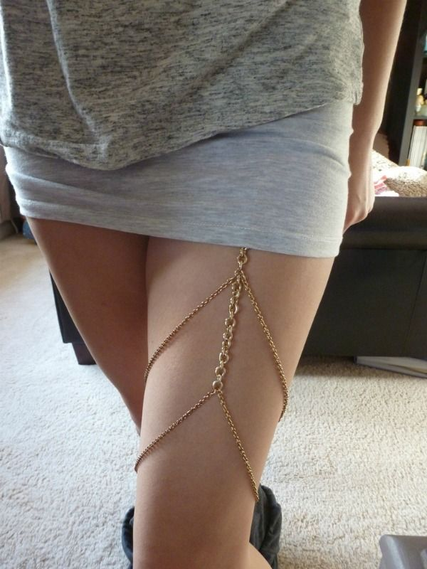 DIY Thigh Chain Garters - I never really liked the chest chain garters, but I like this thigh chain garters. It's different.