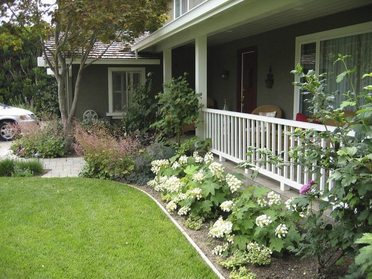 Front Yard Ranch Style House With Hydrangeas   Outdoor Landscaping Ideas  For Ranch Style House. 25  best ideas about Ranch House Landscaping on Pinterest   Ranch