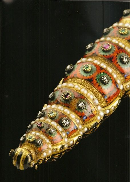 Fully articulated caterpillar automaton by Henri Millardet, late 1700s. Gold, red and black vitreous enamel, split pearl and turquoise. This thing blows my mind.