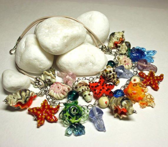 Collana di vetro Murano, collana in vetro, vetro mare collana, Collana Marina. estate, collana di Murano con stelle marine, conchiglie e pesci