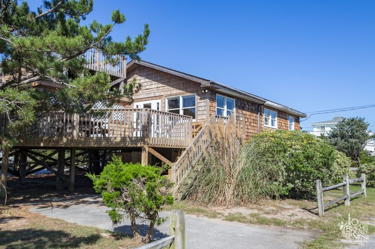 4 Salty Paws {147} is a 3 bedroom, 2 bathroom Semi Oceanfront vacation rental in Avon, NC. See photos, amenities, rates, availability and more details to book today!