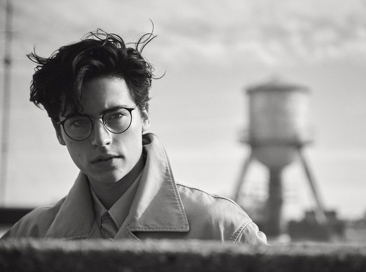 https://twitter.com/colesprouse