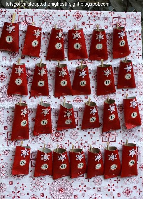 love this little advent calendar.
