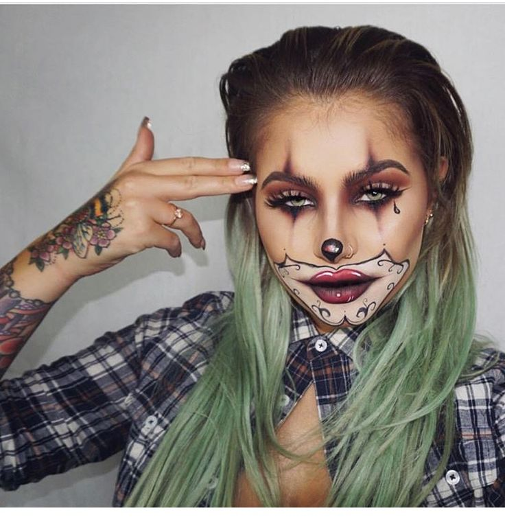 Best 25+ Clown Makeup Ideas On Pinterest | Harlequin Makeup Harlequin Costume And Girl Clown Makeup