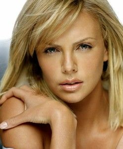 Charlize Theron- stunning natural beauty and I love her makeup look here.
