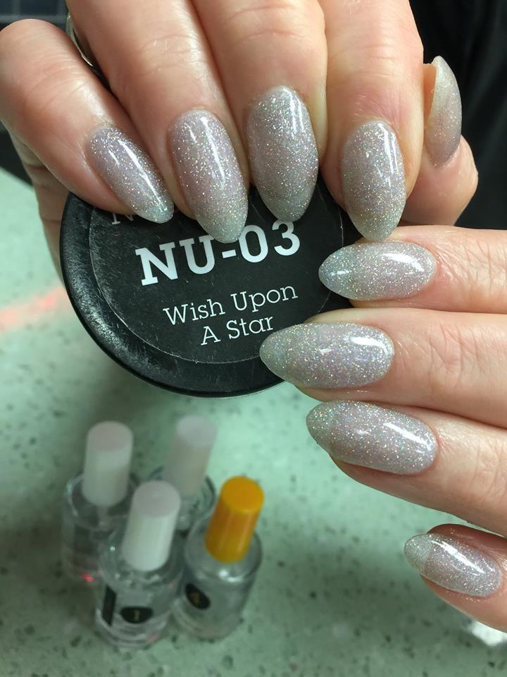 Ein Nugenesis Sich Sie Sterntauchpulver Von Wunschen Wish Upon A Star Dipping Powder By Nugenesis Wunschen In 2020 Dip Powder Nails Nails Powder Manicure