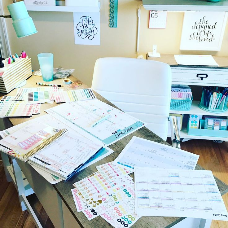 This is me...spread out...and working on our May fridge calendar. With seven people coming and going, a wedding this month, and family coming in, we'd be #lostwithoutit. I use the @erincondren desk pad (it's available on the EC website - pop it in your cart with your new Life Planner this week!!). I like to use icon stickers to color code and group events - I love the @simplifiedplanner icon stickers as well as the icon stickers from @carpediemplanners. Then I spread out my life planner…