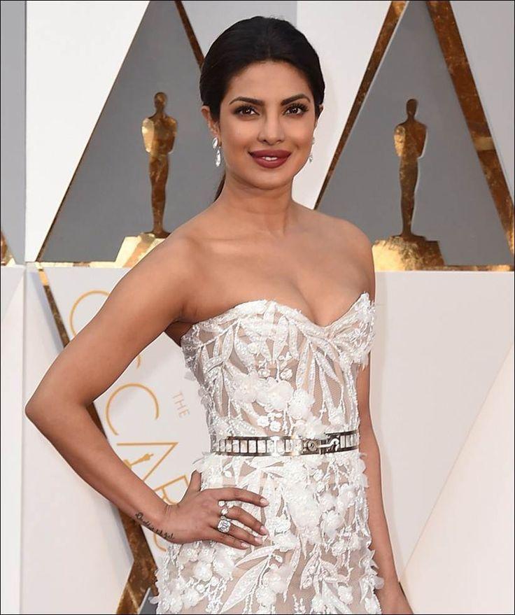 Priyanka Chopra at the red carpet of #Oscars2016 in an elegant creation by Lebanese designer Zuhair Murad. #Bollywood #Oscars #Fashion #Style #Beauty #Hot #Sexy #Punjabi