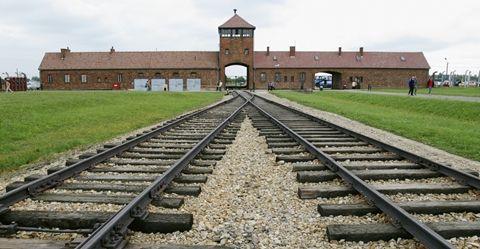 Así es Auschwitz hoy: la BBC ha grabado el campo de concentración Nazi con drones (VÍDEO) « Telediaria.com