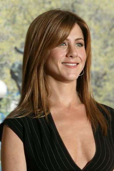 Jennifer Aniston Long Straight Cut with Bangs - Jennifer Aniston showed off her…