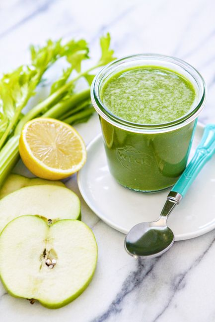 pineapple apple kale smoothie & how to make freezer smoothies