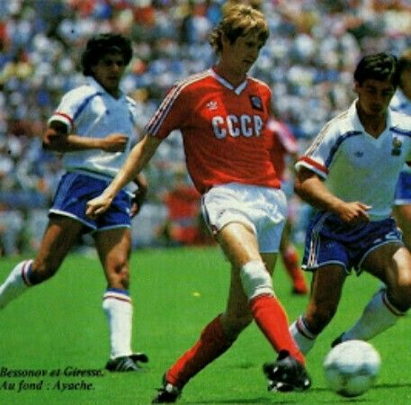 USSR 1 France 1 in 1986 in Leon. Close game both teams happy with the draw in Group C #WorldCupFinals