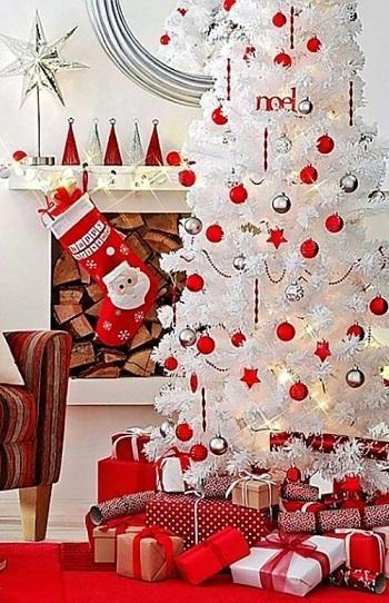 Como decorar árvore de natal branca. O natal está quase aí e talvez seja útil saber como decorar árvore de natal branca. Por isso, em umComo vamos ajudá-lo a decorar a sua casa neste natal. A árvore de natal não pode faltar nas festas na...