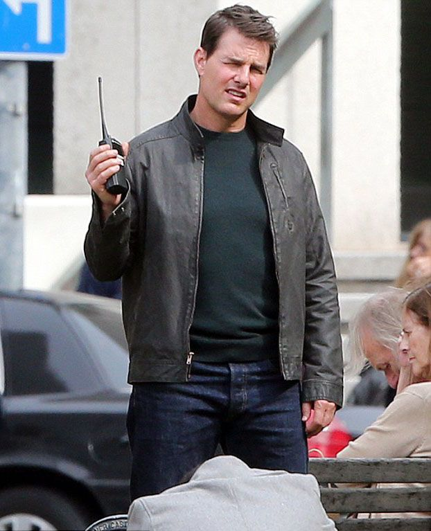 Tom Cruise Never Go Back Jacket from pour online store. This is extremely stylish wear to don in wintry times, friends hangout, shopping and more desired places. So, get this outfit at reasonable price offer!!  #JackReacher:NeverGoBack #TomCruise #Cosplay #Fashion #MenFashion #LeatherOutfit #Hollywoodmovie #sale #Shopping #geek #cheezburger #geektyrant #geekcheezburger #Celebrities