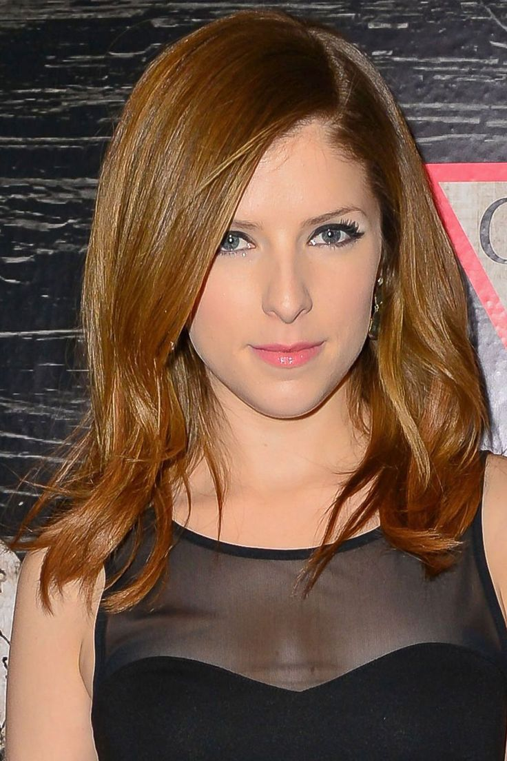 Mid Length Hairstyles: Anna Kendrick, 2014