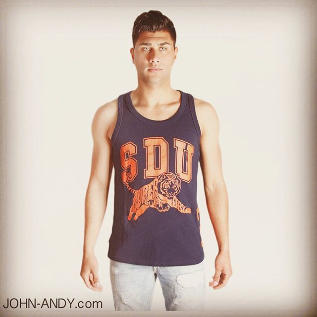 #johnandy #superdry #men #vest #call_for_orders #00302109703888  https://www.john-andy.com/gr/superdry-tiger-vest-dark-blue-m.html?color=%CE%A3%CE%BA%CE%BF%CF%8D%CF%81%CE%BF+%CE%9C%CF%80%CE%BB%CE%AD