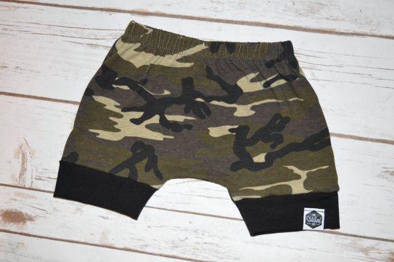 Hoi! Ik heb een geweldige listing op Etsy gevonden: https://www.etsy.com/nl/listing/385552712/baby-harem-shorts-peuter-harem-shorts