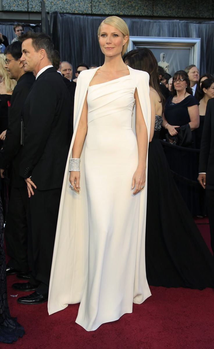 Gwyneth Paltrow in Tom Ford fall 2012 collection at the 84th Annual Academy Awards 2012