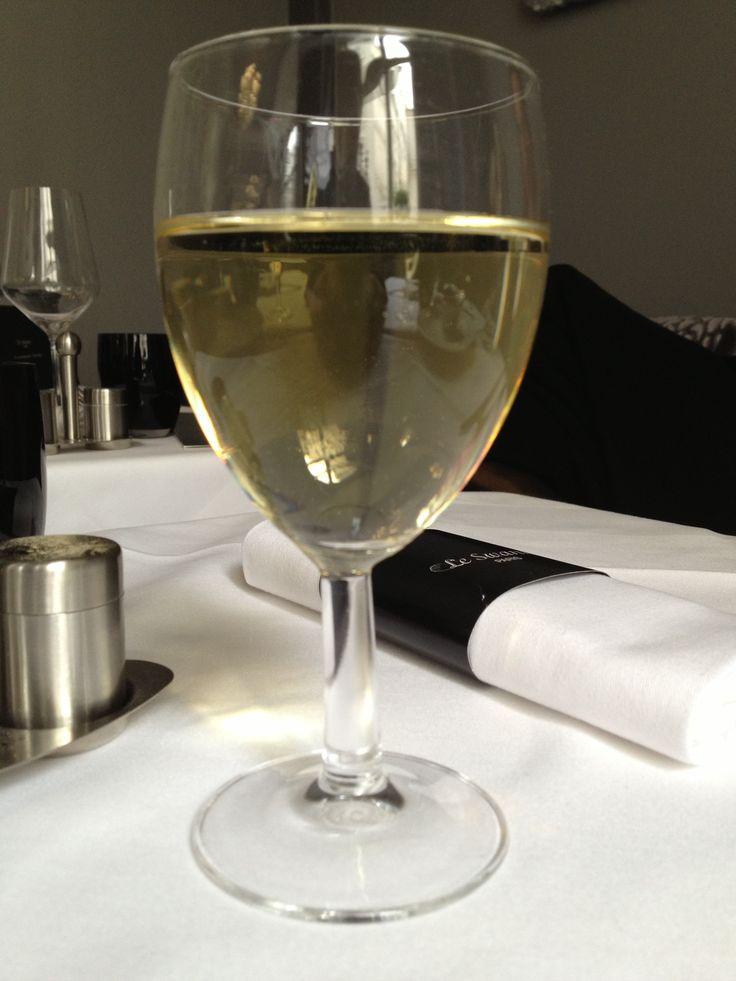 [#JavaisSoif]25 janvier 2014. honnête petit Blanc du menu du midi, restaurant Le Swann, Paris (12e arrondissement).