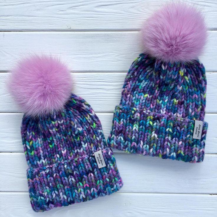 Заканчиваю зиму красиво Шапочки в наличии! размер 54-57 мериносовая шерсть/кашемир 5000₽ с учётом доставки помпоны съёмные все контакты в шапке профиля или нажмите на связаться ☀️хорошего дня☀️