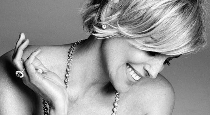 A 57 ans, Sharon Stone pose nue pour le Harper's Bazaar à