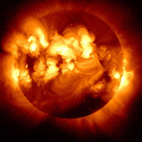Studie zeigt: Sonnenaktivität zum Zeitpunkt der Geburt beeinflusst unser Leben . . . http://grenzwissenschaft-aktuell.blogspot.de/2015/01/studie-zeigt-sonnenaktivitat-zum.html . . . Abb.: NASA