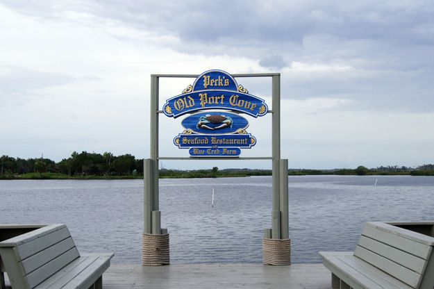 Peck's will cook your freshly caught scallops, Crystal River