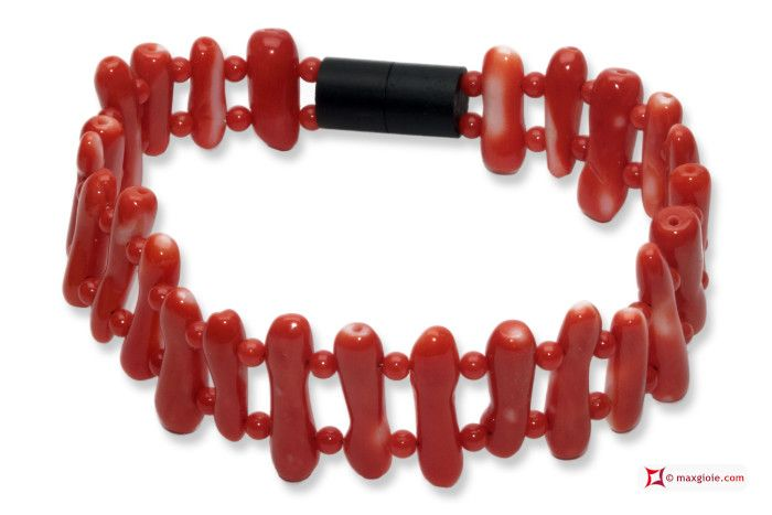 Japan Red Coral Extra Bracelet beads and branches Bracciale Corallo rosso del Giappone Extra pallini e rami #jewelery #luxury #trend #fashion #style #italianstyle #lifestyle #gold #silver #store #collection #shop #shopping #showroom #mode #chic #love #loveit #lovely #style #beautiful #pretty #madeinitaly #bestoftheday #bracelet #braceletforsale