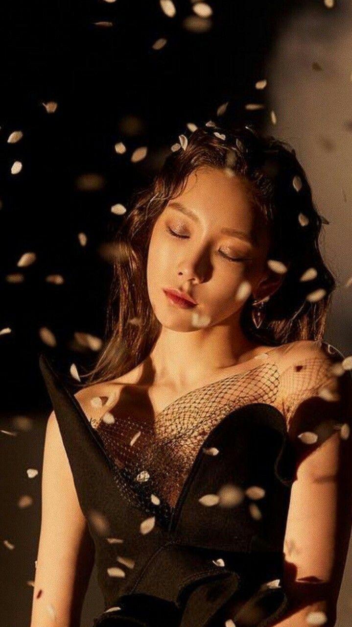 Taeyeon Snsd Girls Generation Mv Four Seasons Wallpaper