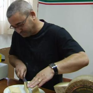 VIDEO: Spain's Best Artisan Cheese: Touring Zamora's Vicente Pastor Cheese Factory