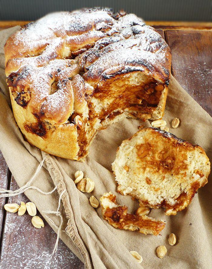 Chlebek do odrywania z masłem orzechowym