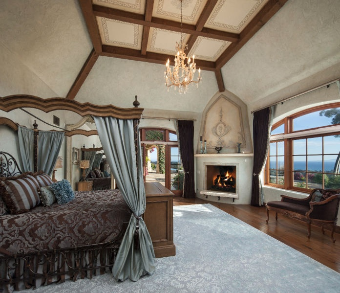 Who Wouldnu0027t Want To Get Cozy In This Bedroom? #fireplace #luxury Part 75