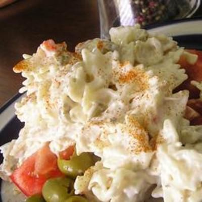 Simple Ranch Chicken Macaroni Salad Use GF pasta and regular Ranch dressing