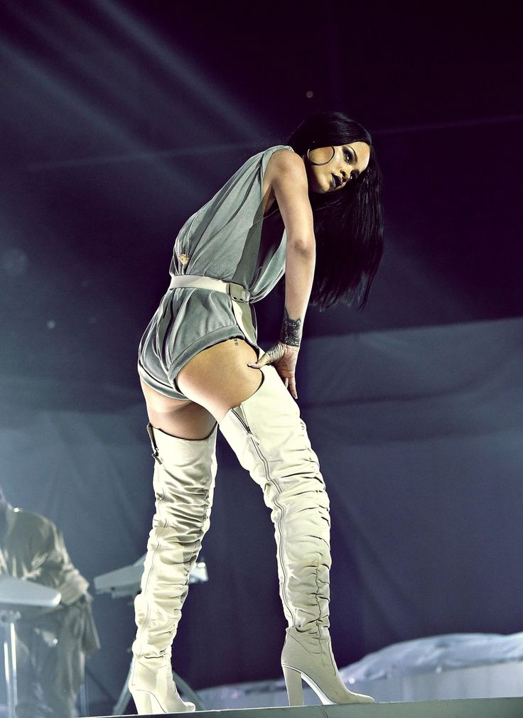 1000+ images about Rihanna Stage Presence on Pinterest | Saturday night show Interview and ...