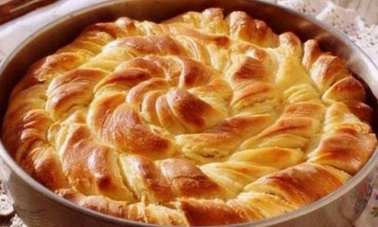 Στριφτή πίτα με φέτα φανταστικη Μια υπέροχη Η μαλακή και ζουμερή ζύμη της θα σας εντυπωσιάσει.