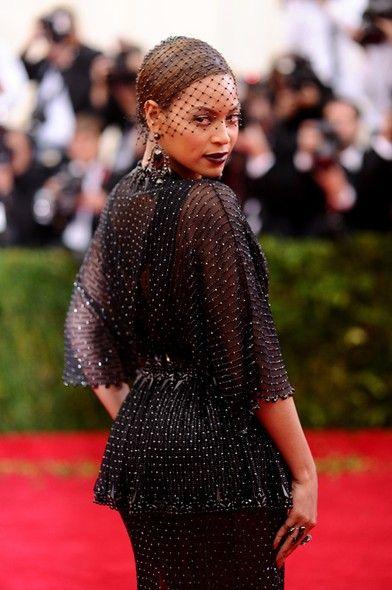 O lado B do Met: o badalado red carpet de NY sob um novo olhar - Vogue | Red carpet