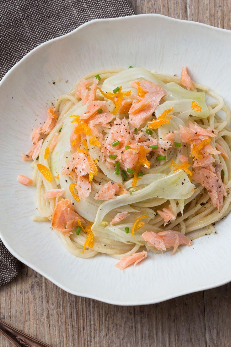 Pasta al salmone con crema di porri: genuino e aromatico. I tuoi ospito chiederanno sicuramente il bis!  [Pasta with salmon and wild leek cream]