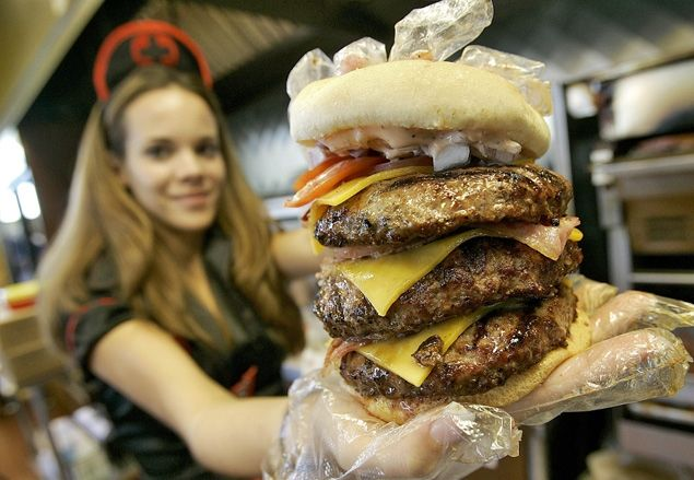 A man who scarfed down a burger and fries at a Heart Attack Grill restaurant in Las Vegas over the weekend actually suffered a heart attack mid chew, authorities said.    Read more: http://www.nydailynews.com/news/national/man-eating-heart-attack-grill-suffers-heart-attack-article-1.1022918#ixzz1mUHIrac5