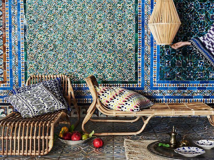 Alla produkter i JASSA är tillverkade i sköna naturmaterial som rotting, bambu, sjögräs och bomull. JASSA vilfåtölj är designad av Piet Hein Eek.