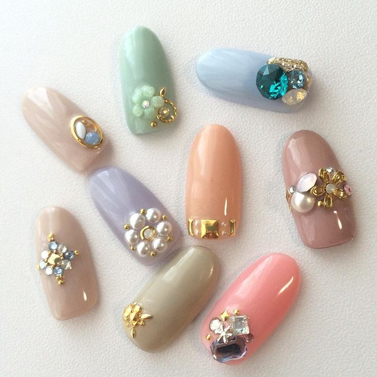 nail art with stones  samples